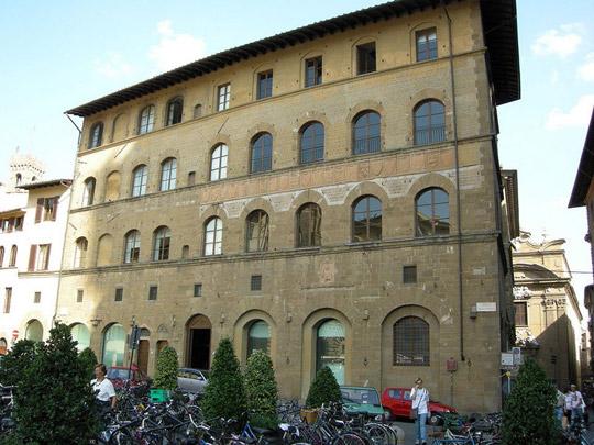 Florence_Tribunale_della_mercanzia_gucci