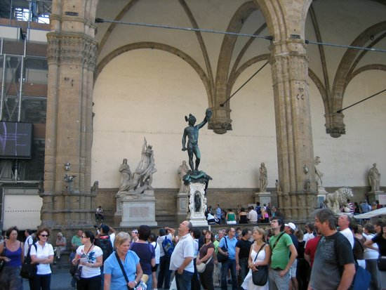Florence_piazza-signoria-loggia